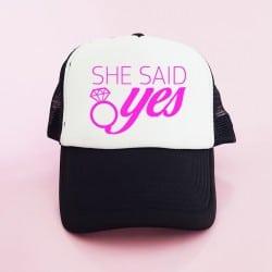 """She Said Yes"" Μαύρο bachelorette καπέλο για τις φίλες της νύφης"