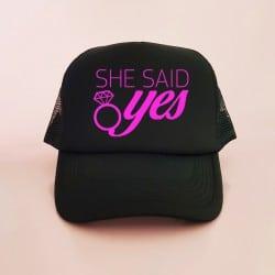 """She Said Yes"" Μαύρο bachelorette καπέλο για τις φίλες"