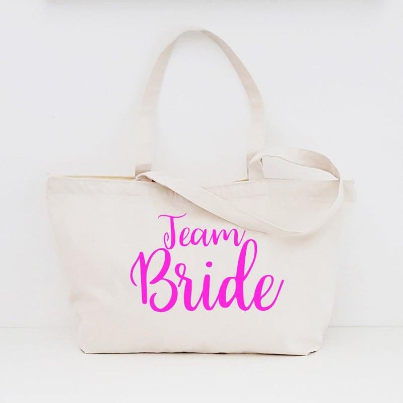 """Team Bride"" Τσάντα για τις φίλες με φερμουάρ"