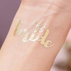 Χρυσό bachelorette τατουάζ...